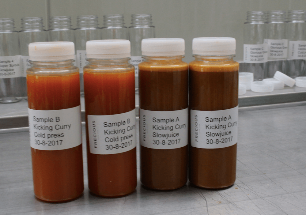 Slowjuices en coldpressed juices klaar voor analyse