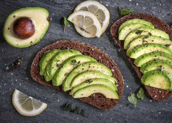 Met deze voedingsmiddelen geef je je lichaam een detox.