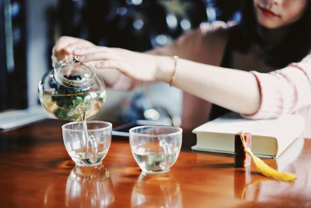 Gezond oud worden? Drink voldoende water.